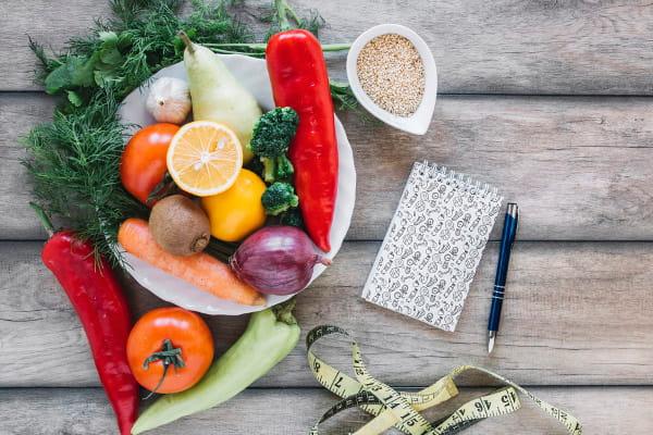 Qual a importância de uma alimentação saudável: frutas, legumes e grãos.